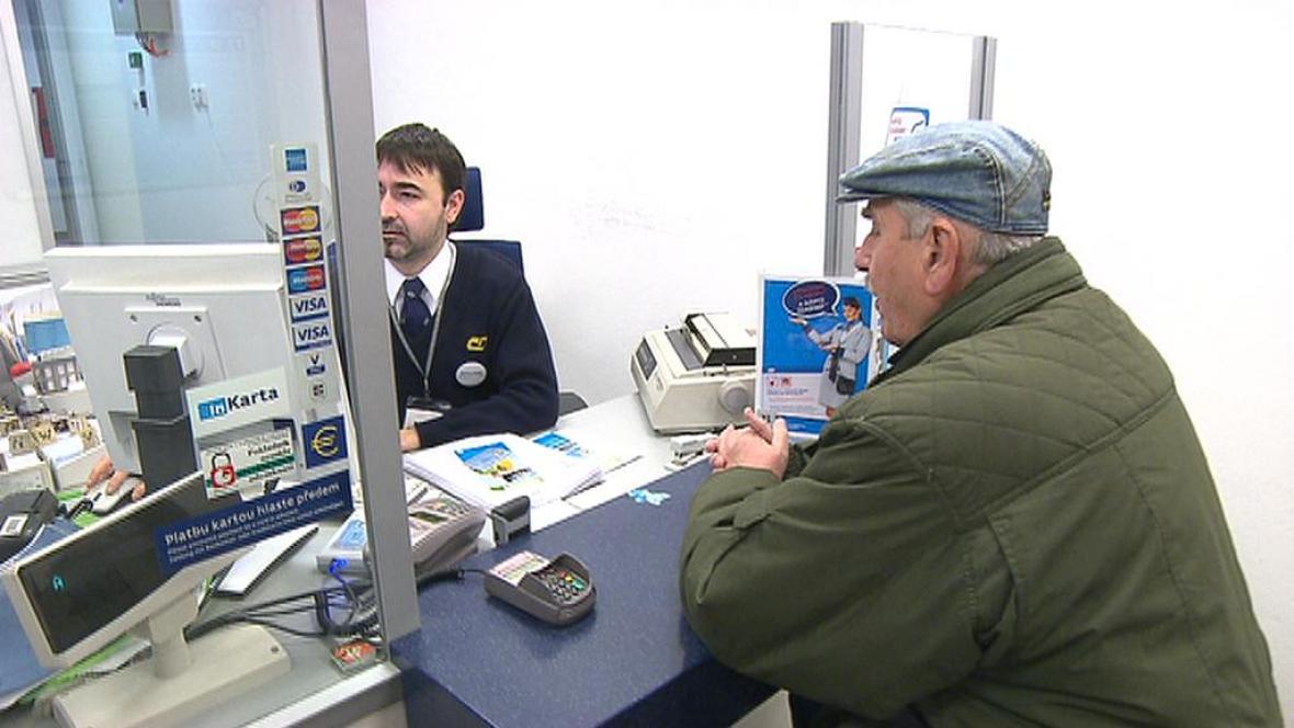 Zákazník na pokladně ČD