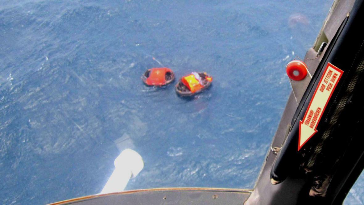 U Papuy se potopil trajekt