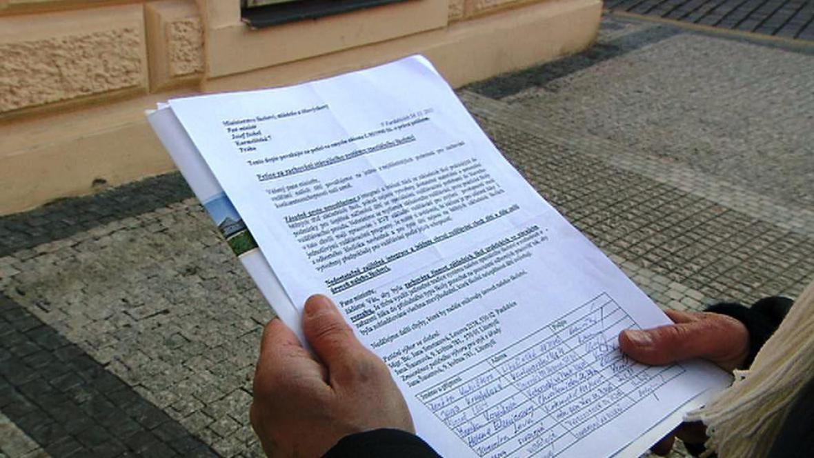 Petice proti rušení zvláštních a praktických škol