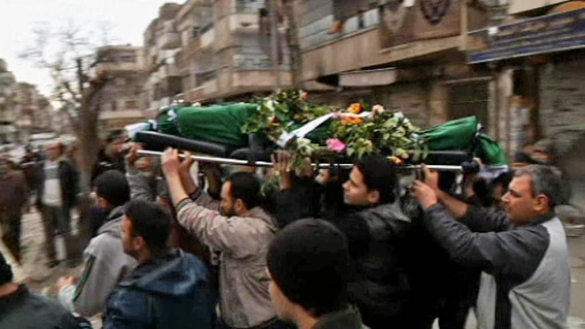 Pohřeb oběti syrských násilností