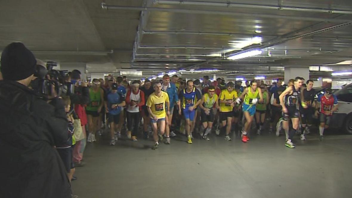 Maraton v podzemních garážích