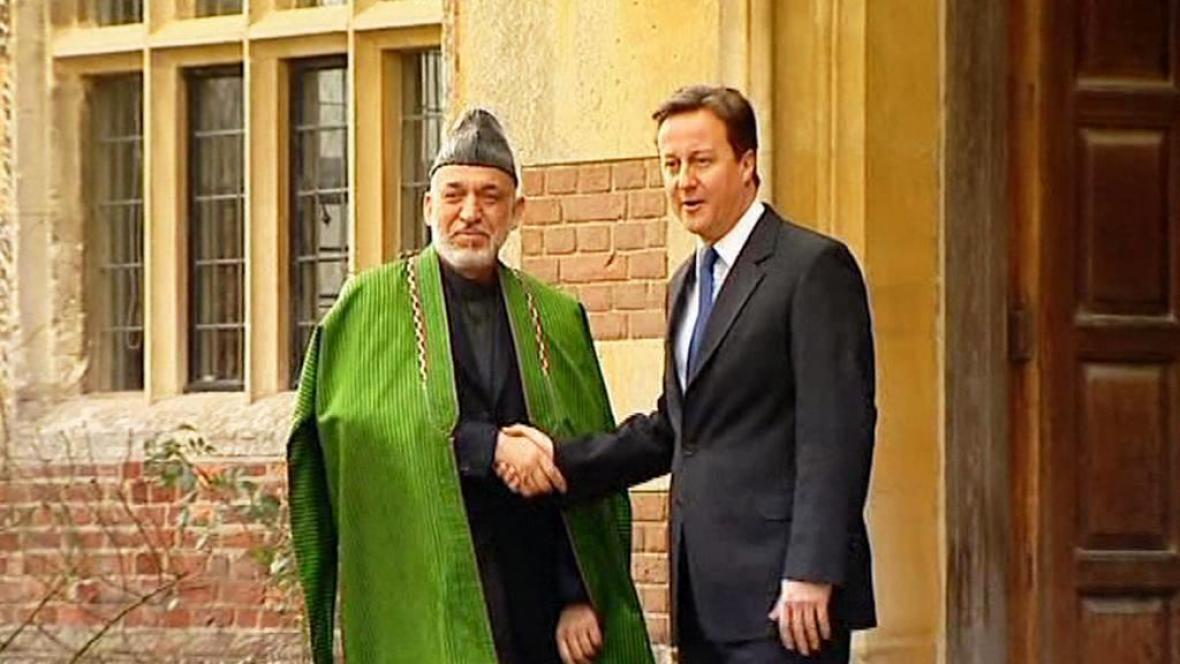 David Cameron s Hamídem Karzáím