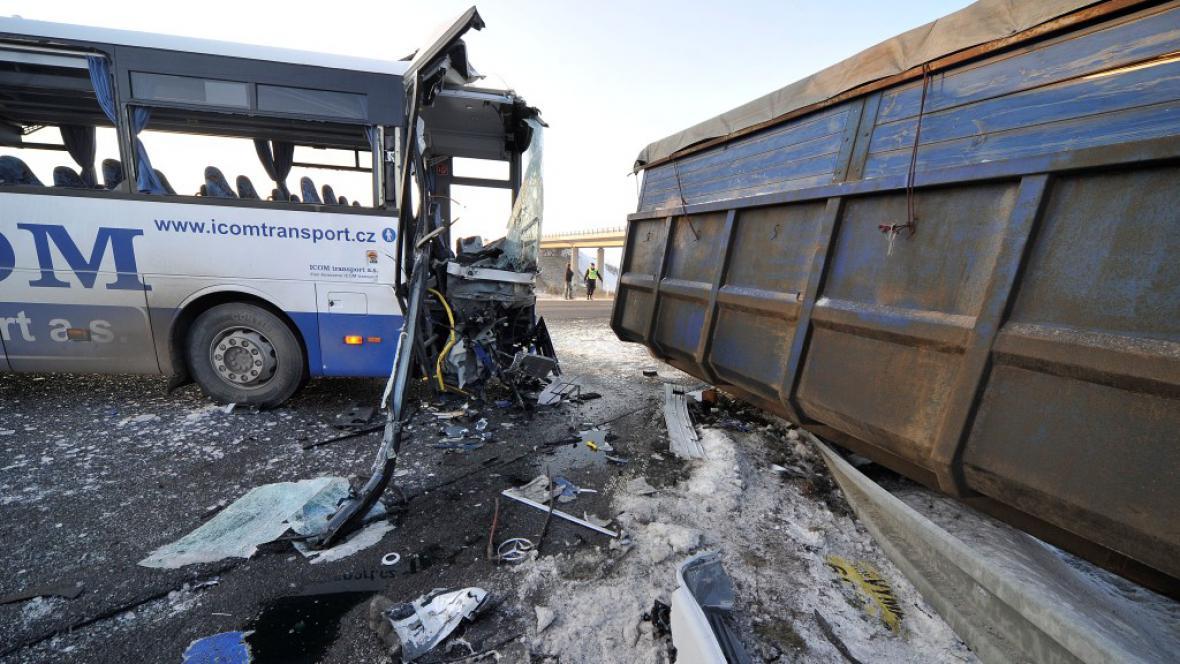 Nehoda linkového autobusu v Jihlavě
