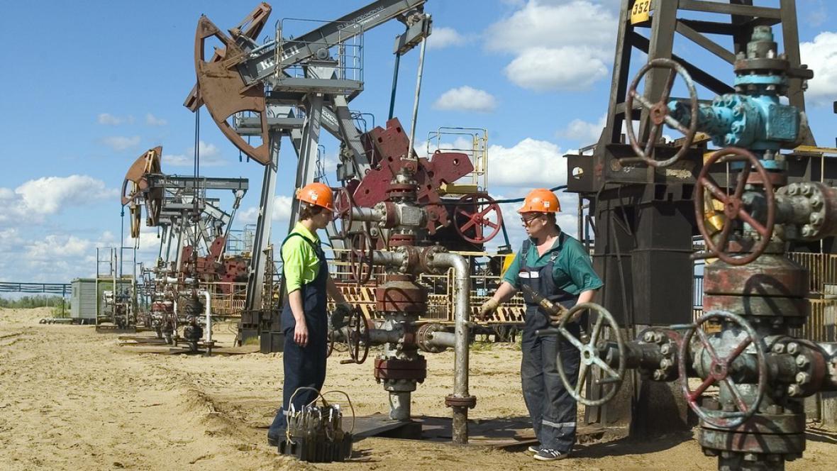Práce v ropné společnosti