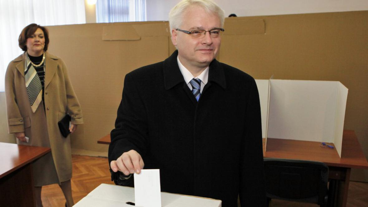 Ivo Josipovič hlasuje v referendu