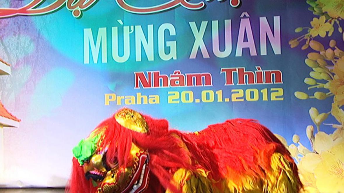 Vietnamci slaví příchod roku draka