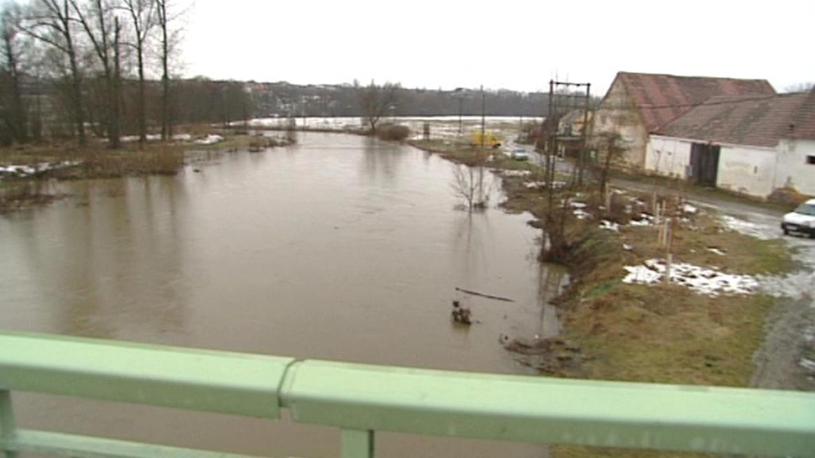 Meteorologové varují před stoupajícími hladinami řek