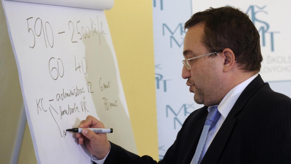 Ministr Dobeš představuje reformu regionálního školství