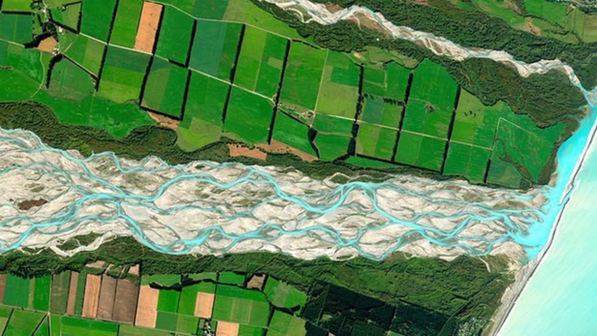 Satelitní snímek řeky Rakaia