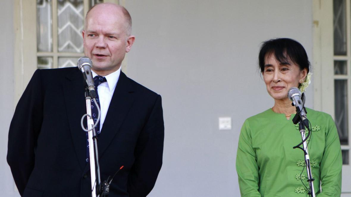William Hague a Su Ťij