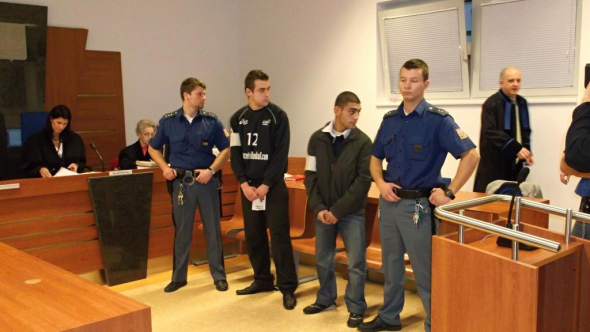 Obžalovaní Bilič a Vavrek před soudem