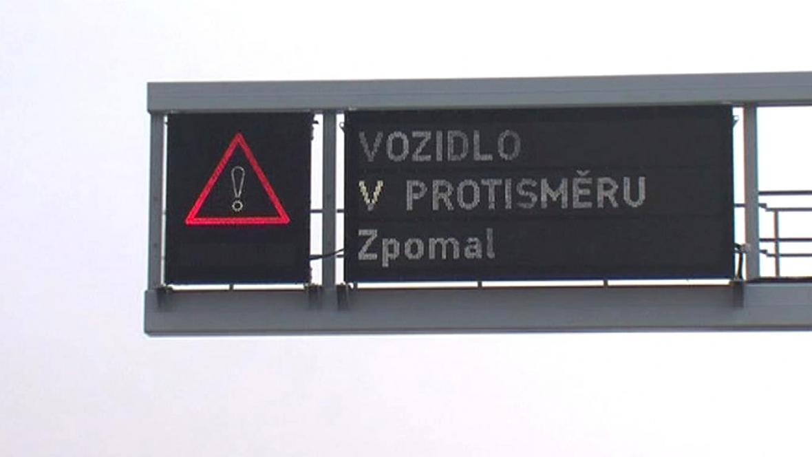 Informační tabule na dálnici