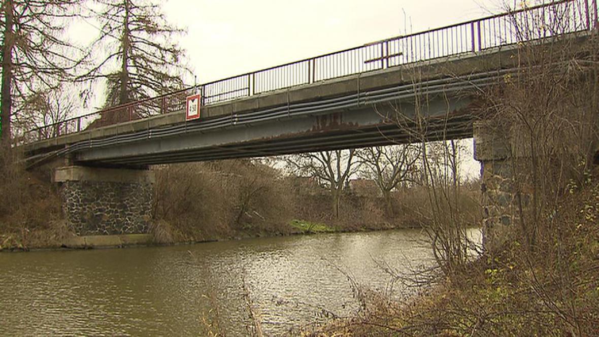 Most do Lužce