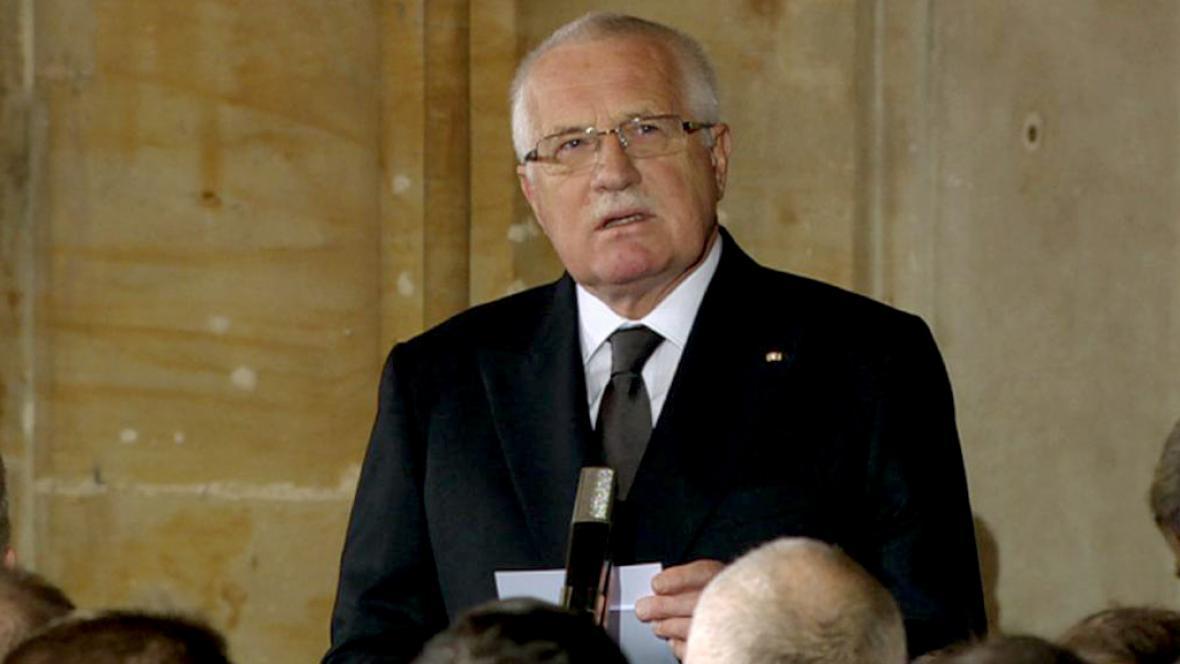 Václav Klaus při smutečním proslovu