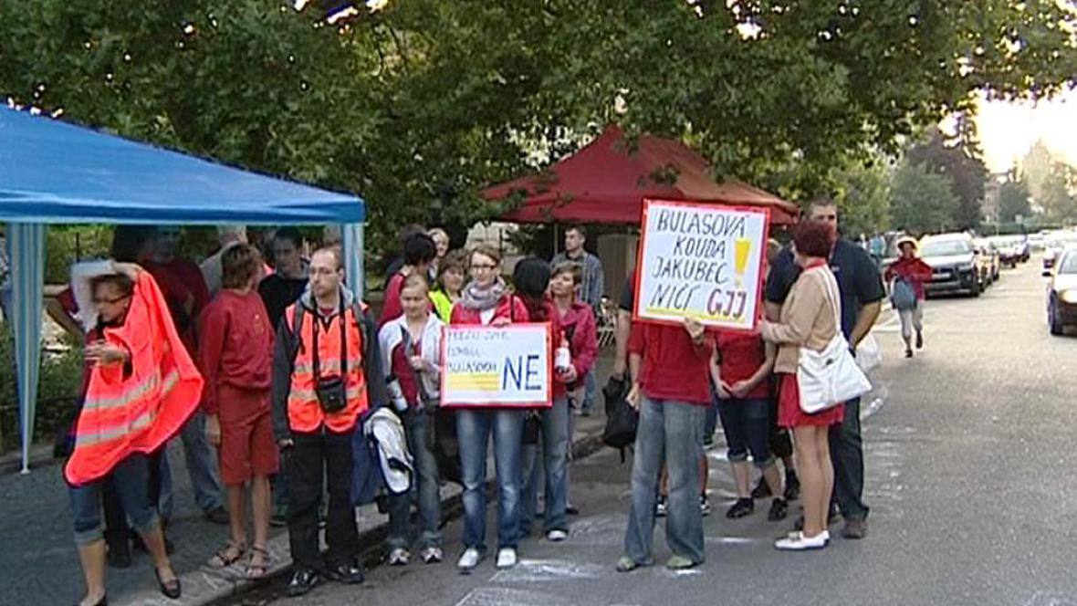 Stávka studentů kvůli vyhozeným profesorům