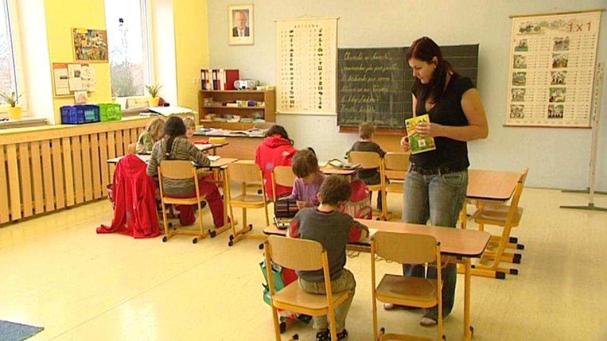 Výuka v základní škole v Líšťanech