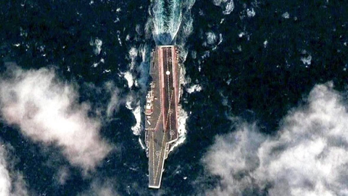 Snímek čínské letadlové lodi