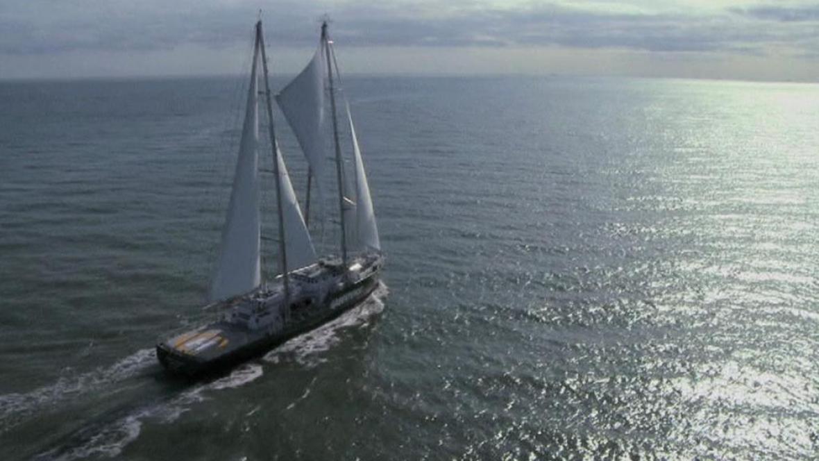 Vlajková loď Greenpeace