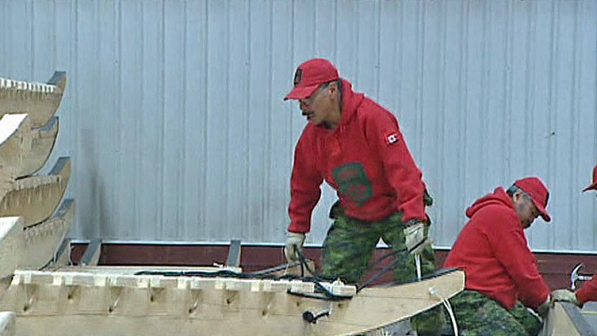Výroba inuitských saní