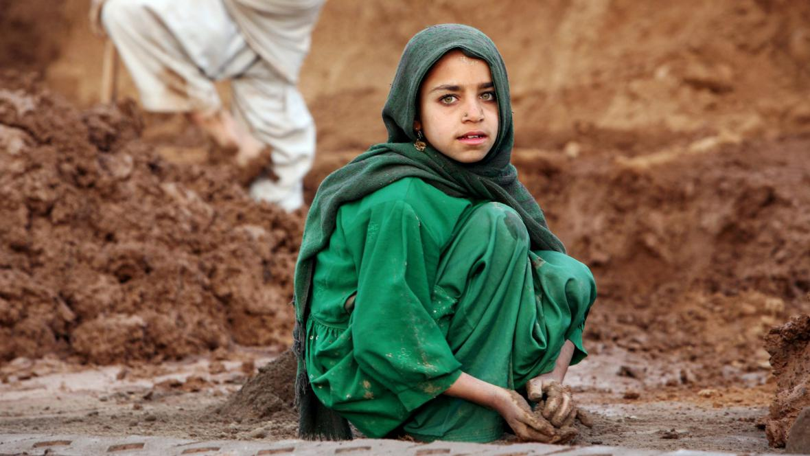Alžběta Jungrová / cihlárna v Pákistánu