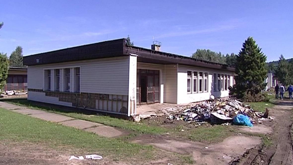 Poškozená školka v Raspenavě