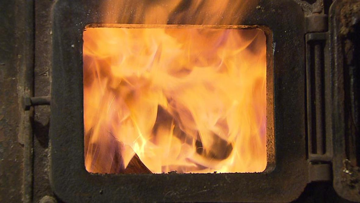 Topení v kamnech