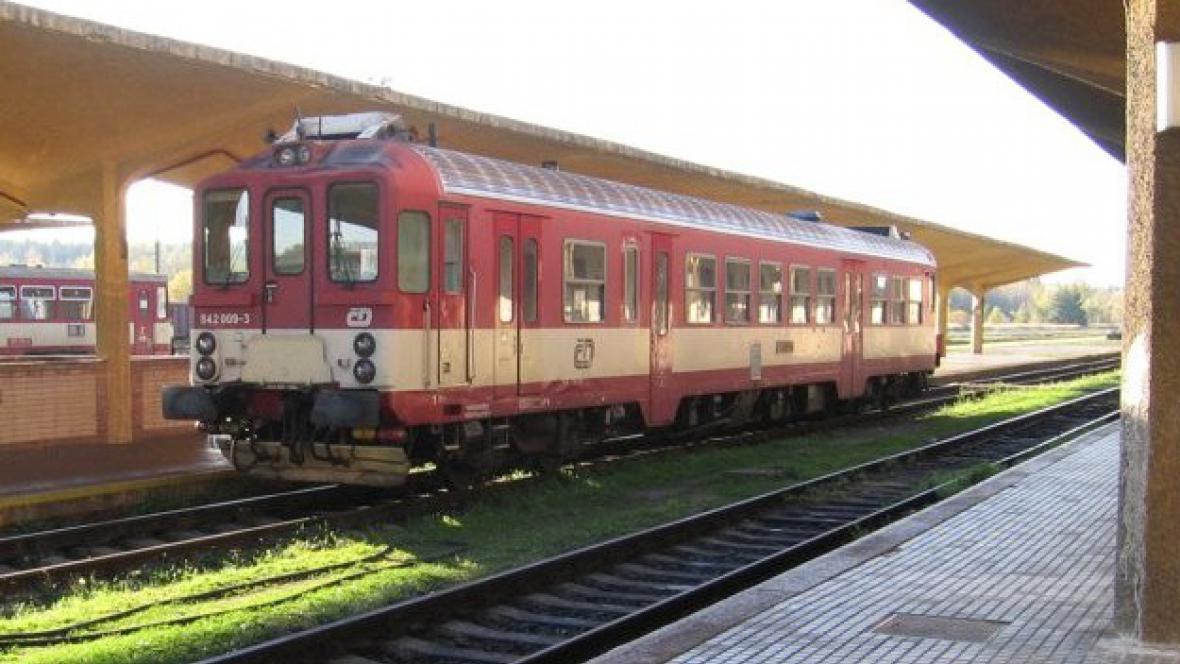 Vlak v Českých Velenicích