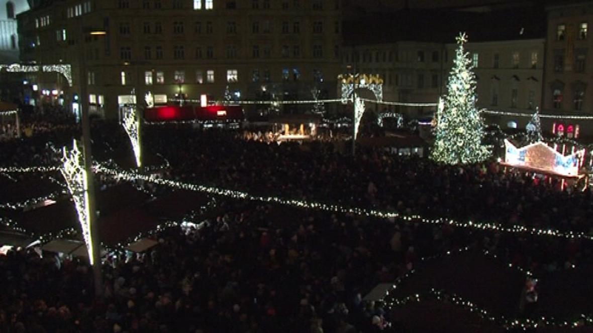 Vánoční strom na náměstí Svobody v Brně