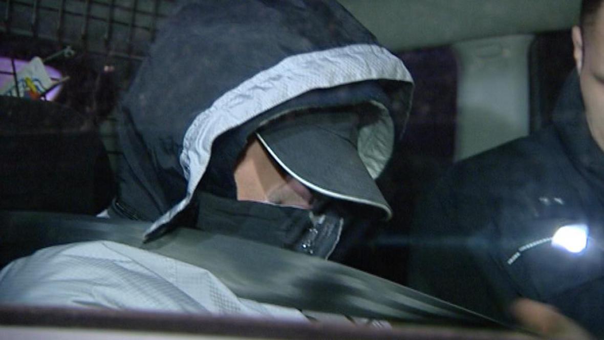 Policie převáží zadrženého řidiče
