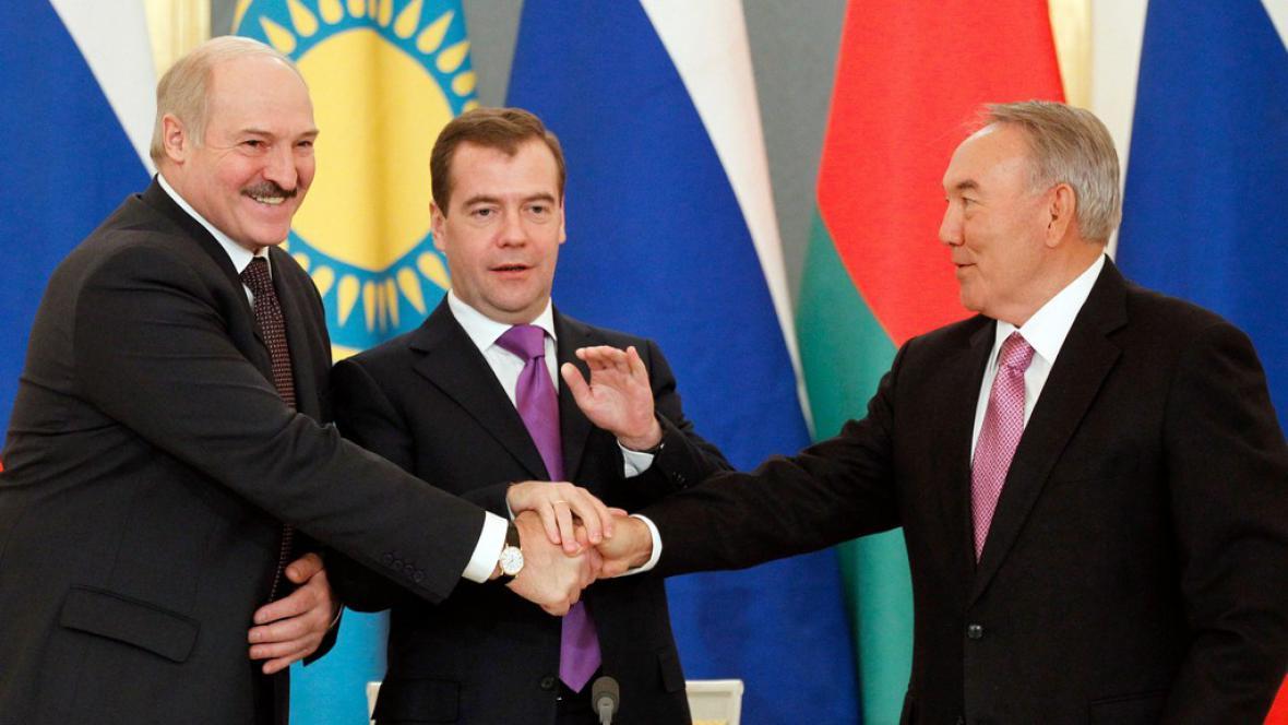 Alexandr Lukašenko, Dmitrij Medveděv a Nursultan Nazarbajev