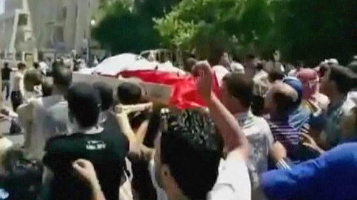 Pohřeb obětí syrského násilí