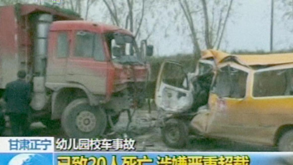 Nehoda čínského autobusu