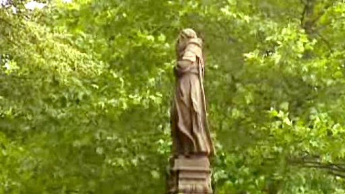 Vzácná barokní socha