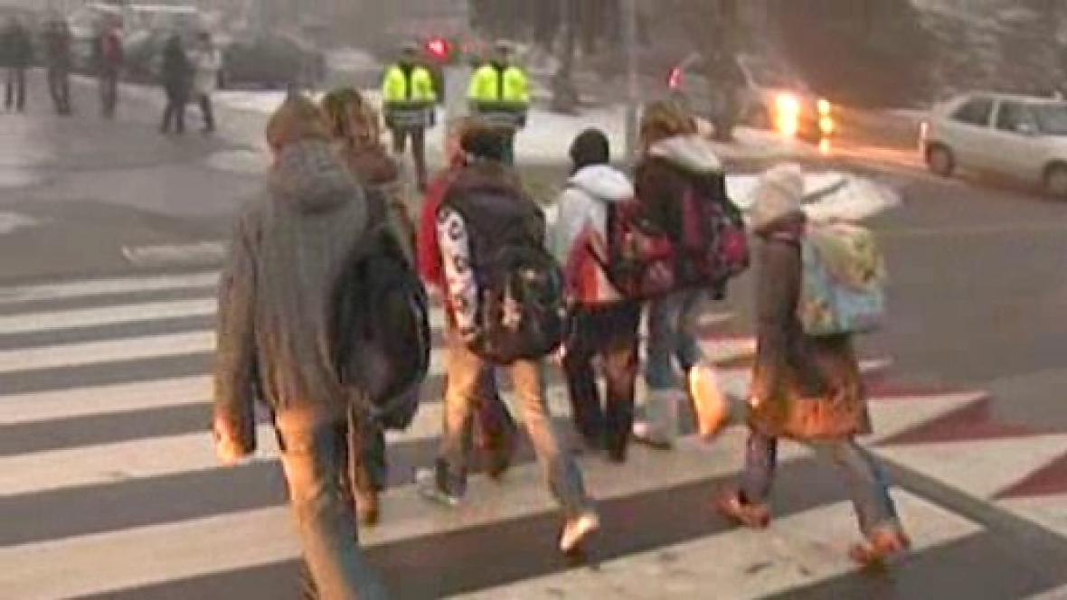 Školáci na cestě do školy