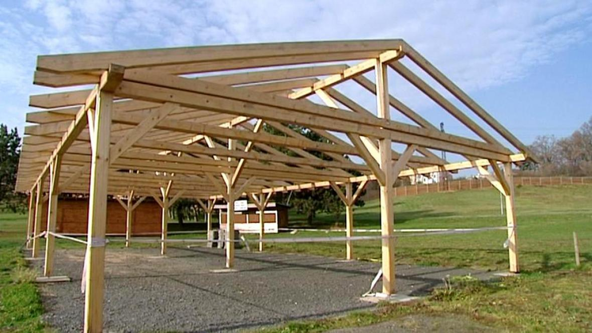 Dřevěná konstrukce stojí bez stavebního povolení
