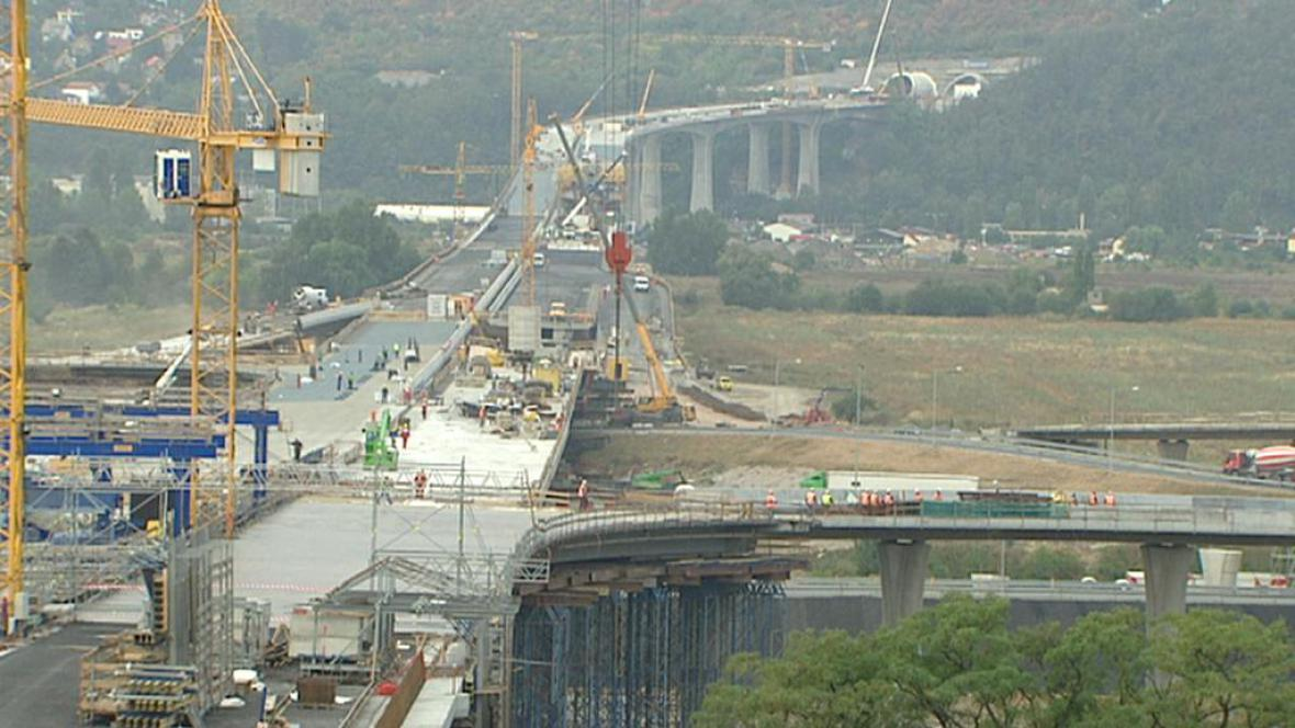 Stavba dálnice