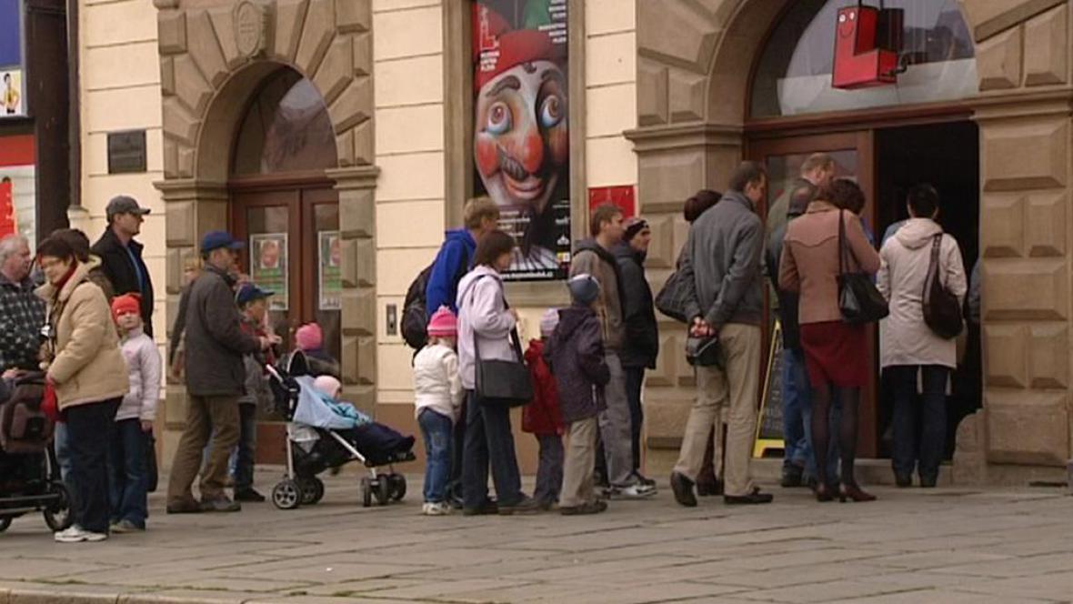 Návštěvníci Muzea loutek
