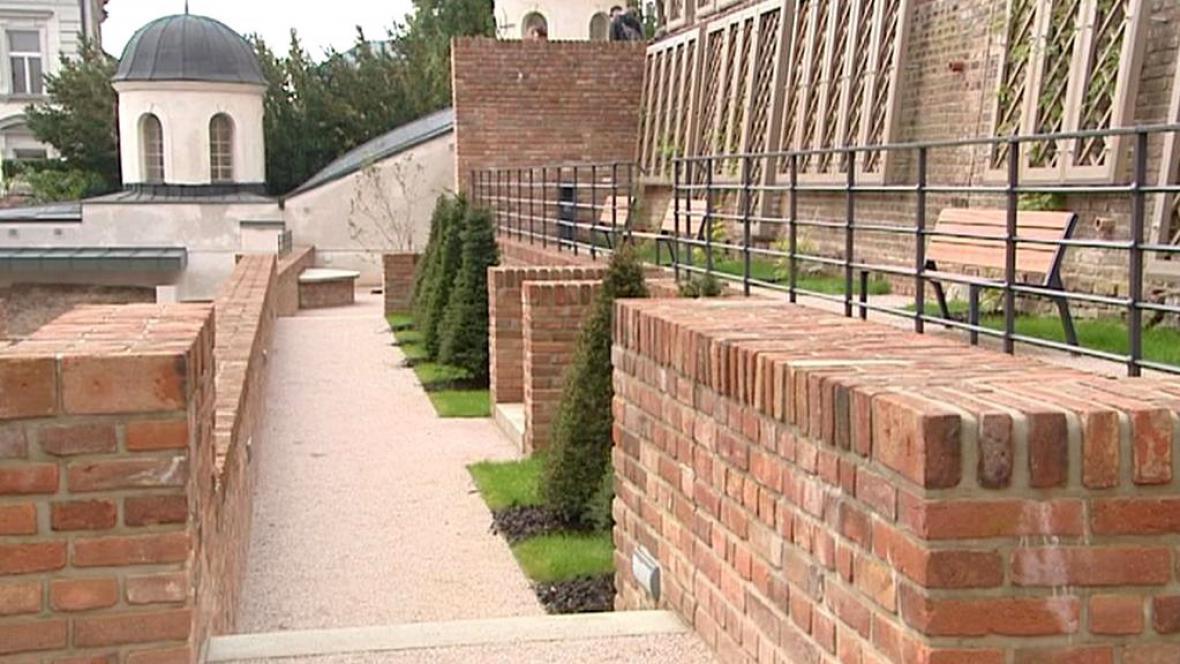 Hradecké hradby