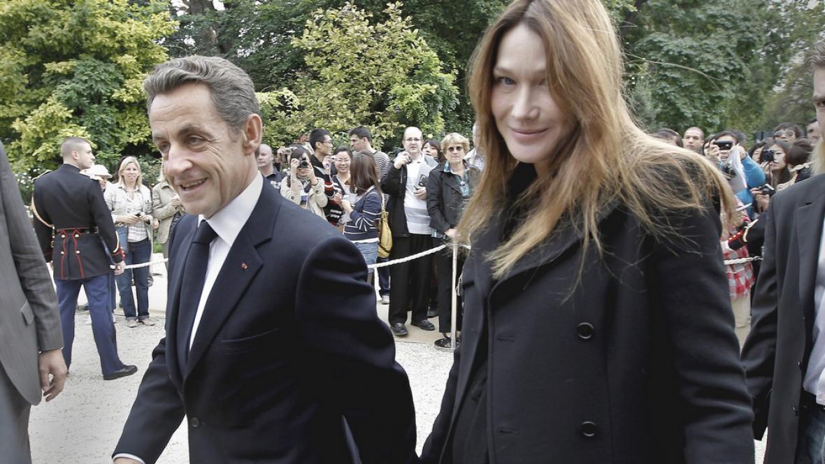 Nicolas Sarkozy se svou ženou Carlou Bruniovou