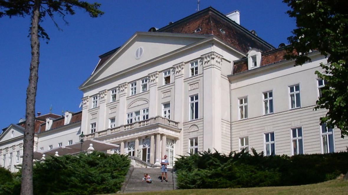 Vídeňský zámek Wilhelminenberg