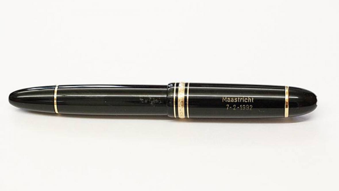 Pero, kterým Genscher podepsal maastrichtskou smlouvu