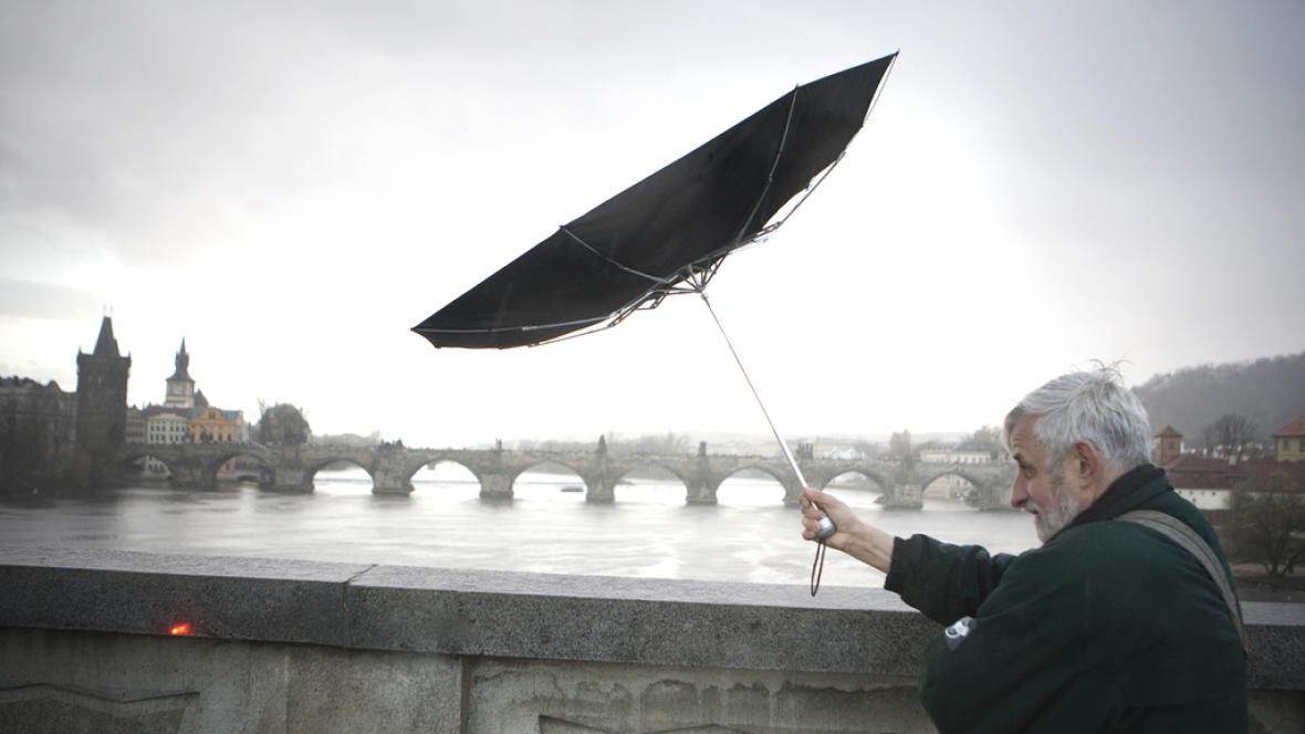 Trable se sychravým počasím