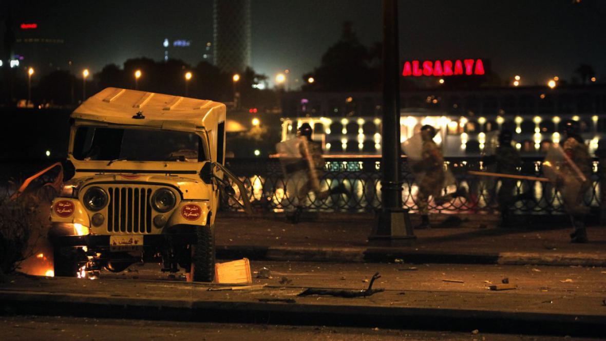 Nepokoje v Káhiře