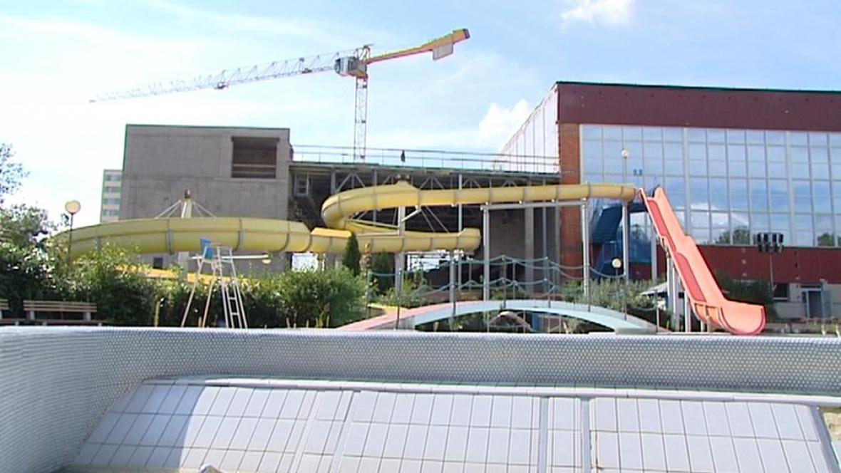 Rekonstrukce plaveckého areálu v Pardubicích