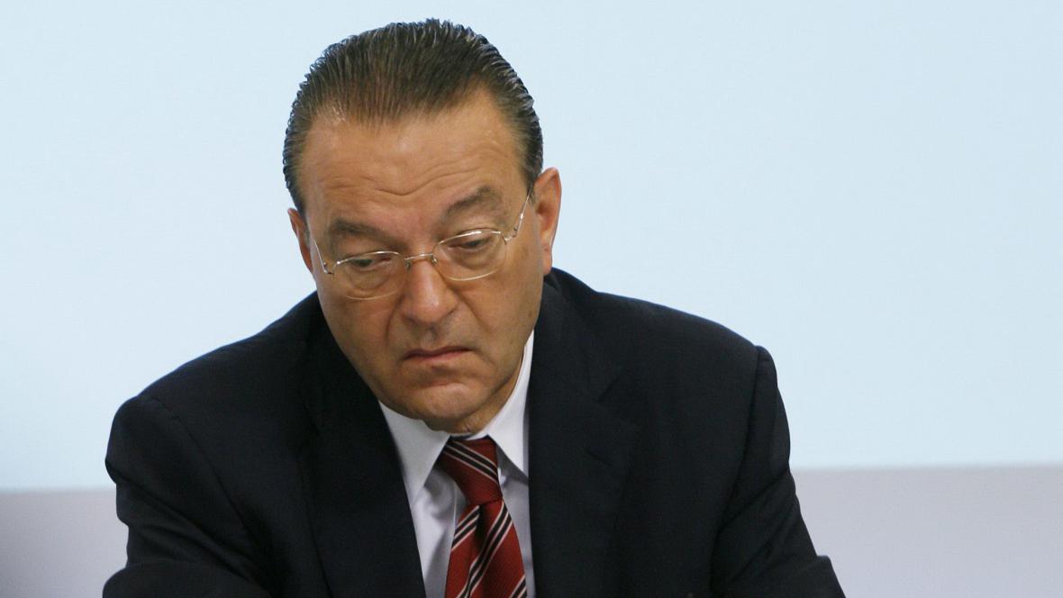 Odstupující ředitel UBS Oswald Grübel