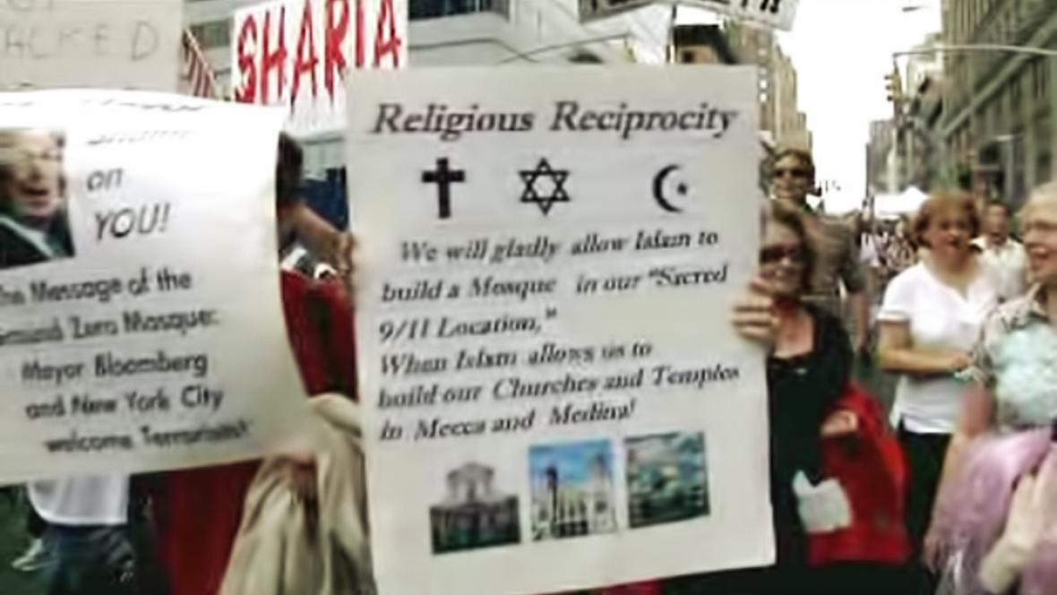 Demonstrace odpůrců mešity na Ground Zero