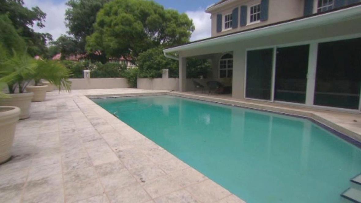 Luxusní dům s bazénem