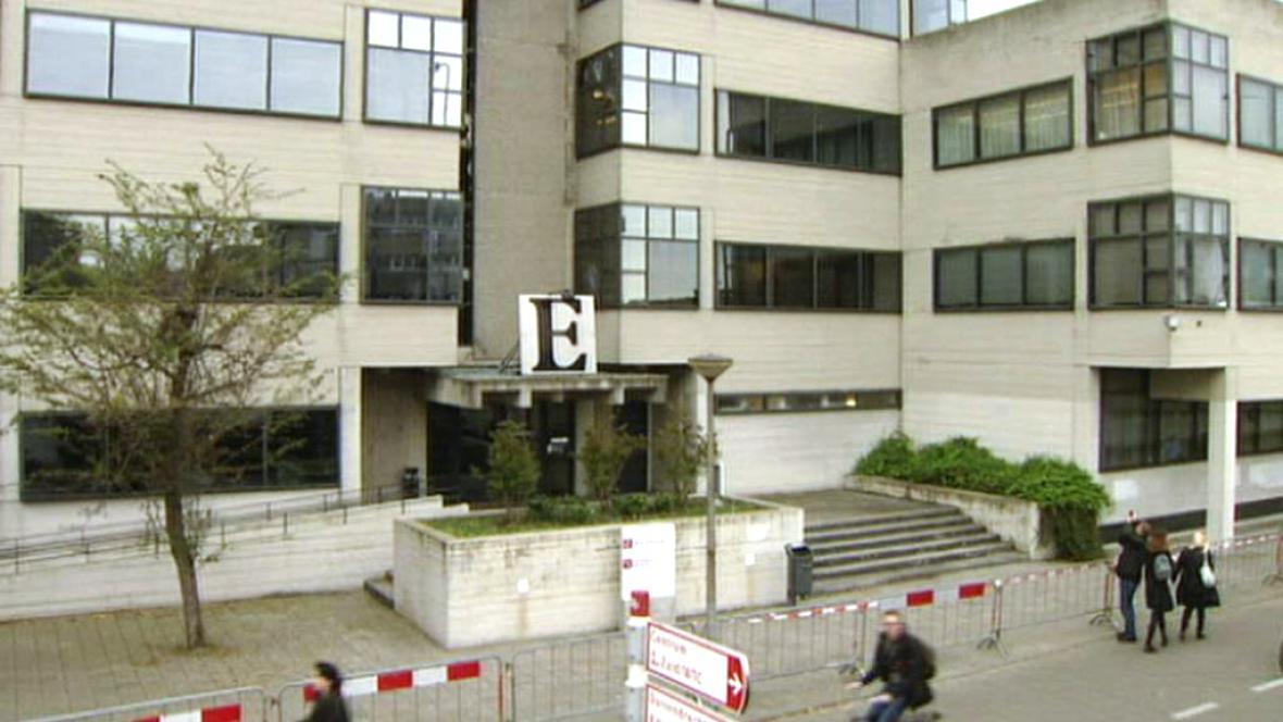 Budovu soudu v Amsterdamu poškodil výbuch
