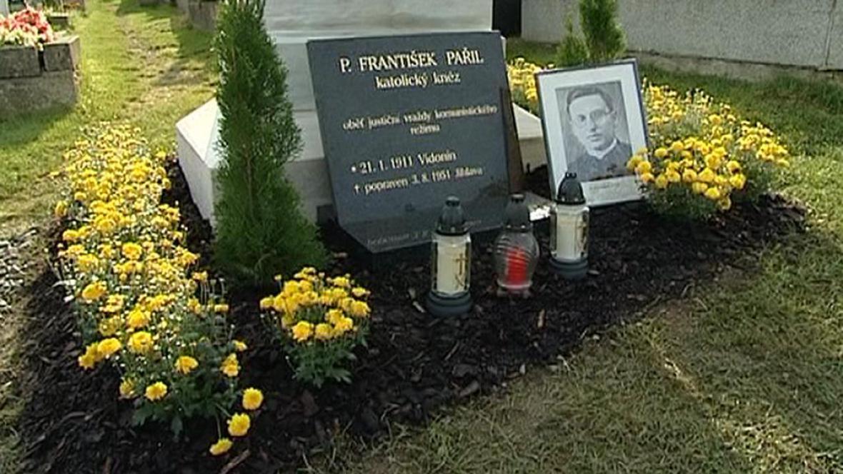 Hrob Františka Pařila