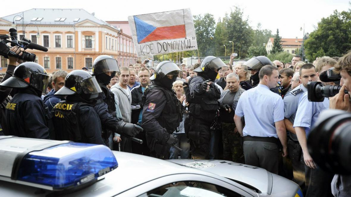 Demonstrace ve Varnsdorfu proti nepřizpůsobivým